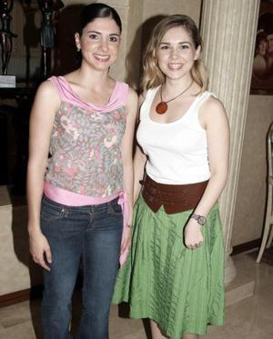 Ana Claudia López y Laura Batarse