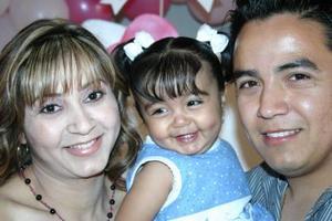 Andrea Gabriela Ibarra Martínez cumplió un año de vida por lo que sus papás le organizaron una fiesta de cumpleaños.