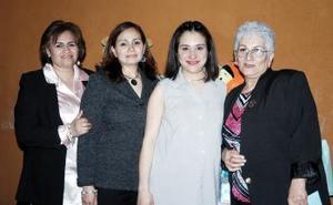 <b>06 de abril </b><p> Graciela Álvarez Galván, Gloria Mijares de Sandoval y Miriam Sandoval le ofrecieron una fiesta de canastilla a IlianaNájera de Sandoval.