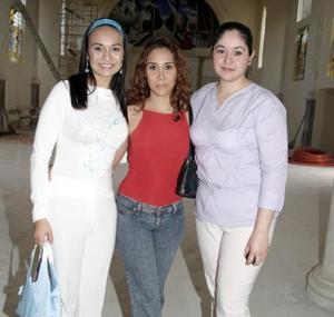 Ivonne Reza, Valeria Correa y Magda Oloyo.