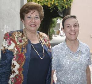 <b>06 de abril</b><p> Ofelia Samia y Maye Pérez.