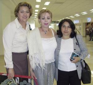 <b>08 de abril</b><p> Silvia de Saucedo, María del Carmen Rodríguez y Melva Catalina viajaronm a Sonora.