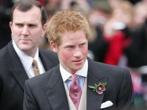 Tanto el príncipe Guillermo,.como su hermano, el príncipe Harry (foto) conocieron a Camilla, confidente eterna del príncipe de Gales, en el año 1998, cuando tenían ambos 16 y 14 años.