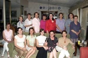Cristina Sánchez von Bertrab acompañada de amistades y familiares