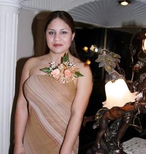Ana Ivonne Ordaz Mota en su despedida de soltera.