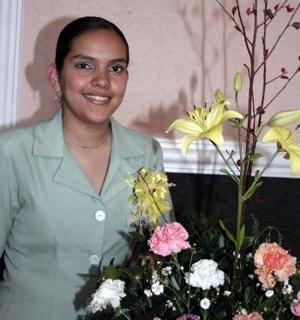 09 de abril  Sagrario Mayela Castañón Samperio, recibió felicitaciones por su cercana boda.