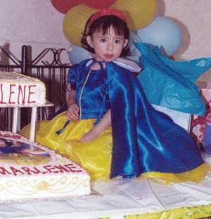 Marlene Zavala cumplió dos años de edad y por ello sus padres, José Zavala y Nancy Rodríguez.