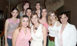 Cristina Sánchez Von Bertrab en la despedida de soltera que le ofrecieron sus amigas, Julia, Laura, Ana Claudia, Julia, Karina, Claudia, Gilda, Sofía y Ana Claudia.
