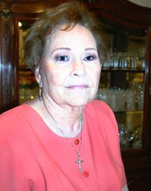 Doña Celia Siller Guillén de Chapoy.