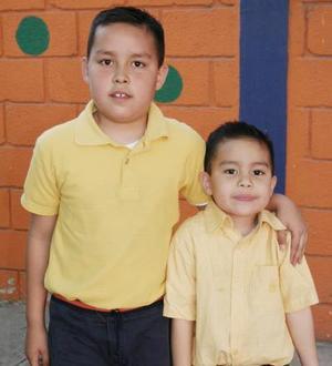 <b>13 de abril </b> <p> Jesús y José Gustavo Reyes León