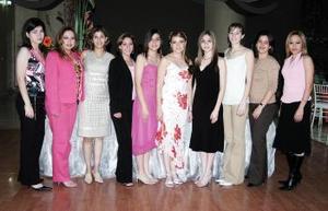 13 de abril  Blanca Quiñones, Adriana García, Karen Rivera, Claudia Morales, Sandra Yañez, Cristina Yañez, Diana Cortés, Anahí Rivera, y Suellen  García acompañaron a Adriana Yañez.
