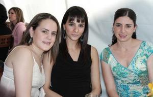 Brenda Baille de Villalobos, Rocío Yacamán y Laura Batarse .