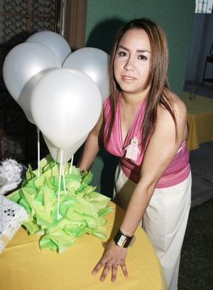 Luz Judith Hernández González disfrutó de una despedida de soltera.