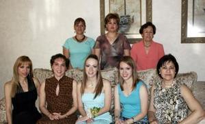 14 de abril  Elsa de Navarrete, Odila de Vargas, Clarisa Vargas, Ana Laura de Aguirre, Cristina de Castro y Laura de Baca le ofrecieron una despedidfa a Odila Vargas Villarreal.