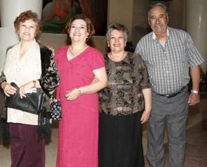 <b>13 de abril</b><p> Carmen Yolanda Macías, Bertha Macías, Esthela Macías y Héctor Gutiérrez.