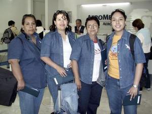 <b>15 de abril</b><p> Delia López, María Rodríguez, Claudia Reyes y Juanita viajaron a Brasil.