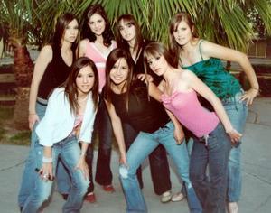<b>15 de abril </b><p> Ana Malissa Navarrete, Marisol Papadópulos, Marina Fernández, Karen von Bertrab, Mary Pili Roel, Ana Paula Anaya e Isabel Murra.