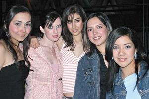 <I>Y ¡LLEGO LA NOCHE!</I><P>Nadia Rivera, Adriana Alcantara, Sandra González, Fer Acosta y Marisol Líen