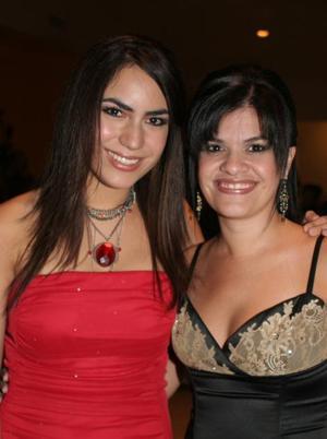 Alejandra Soltero y Daniela Carrillo.