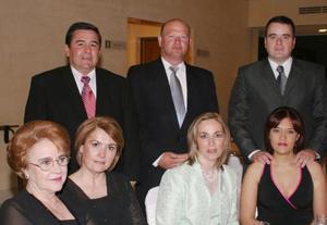 Mercedes Bracho, Eugenia y Eduardo Diez, Ana Isabel y Beto García y Liliana y Javier Pérez.