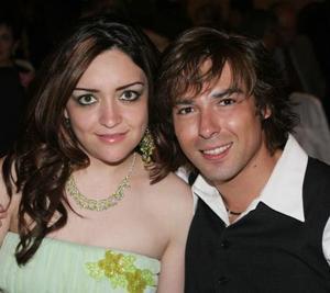Claudia Leal Motola y Fito Reyes.