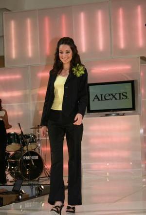 La bella Adriana Rodríguez Campos resultó ganadora del segundo sitio; ella fue la Modelo del Mes de Diciembre de 2004.