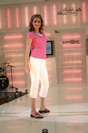 Sus mismas compañeras nombraron a Rocío López Luna, Modelo del Mes de Septiembre de 2004, como Señorita Simpatía.