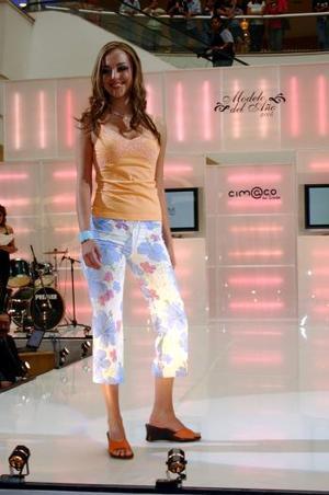 Luego de demostrar su elegancia y buen porte, Paulina Perches Asúnsolo resultó ganadora del certamen La Modelo del Año 2005 de Cimaco en Línea.