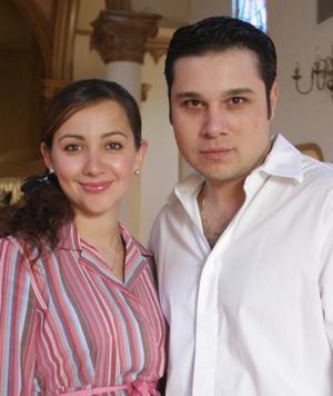 Cynthia de Herrera y Adán Herrera.