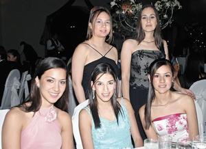 Marcela Vega, Damaris Delgadillo, Astrid Ayup, Ana Lucia Cepeda y Salma Oviedo.
