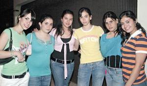 Magaly Berumen, Sofía Gómez, Sandra Rivas, Eri Hernández, Luly Batarse y Mónica García