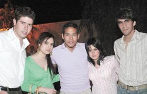 Arturo, Karla, Memo, Jessica y Karim