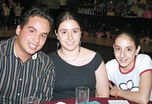 Eduardo Ibarra y Eliana y Aniela Zarzar