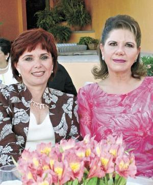 Kiki de Bonilla y Estela de Obeso