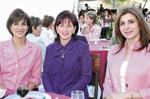 Blanca de Giacomán, Cristina de Batarse y Martha Murra de Papadópulos