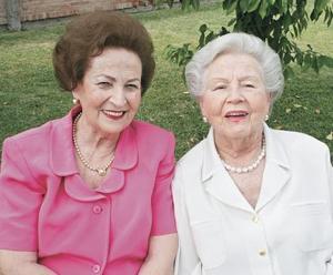 Yolanda Estrada Attolini y Socorrito Attolini de Villegas