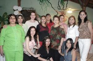Con motivo del próximo nacimiento de su bebé, Laura Luévano Tello disfrutó de una fiesta de canastilla en compañía de amigas y familiares.