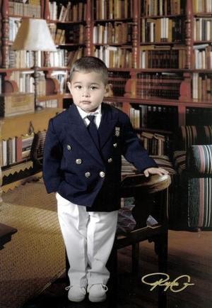 Niño José Alberto Durán Silva, en una foto de estudio con motivo de sus tres años de vida.