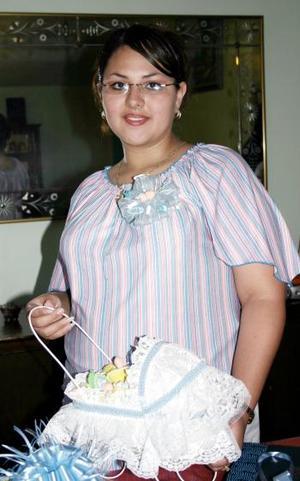 Yulma Bejarano de Jaime en su fiesta de canastilla.