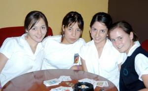 Mariana Webb, Elizabeth Villalobos, Carla Ávalos y Ale Mijares.
