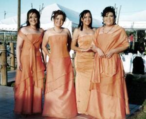 Mónica Espino, Xóchitl Rodríguez, Nayeli Rodríguez y Georgina Rodríguez Espino, captadas en una recepción.