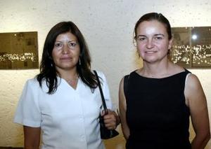 Ana Ávalos y América Duéñez.