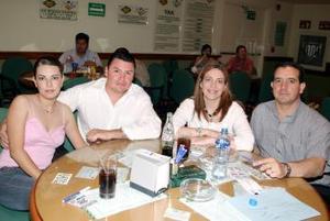 Víctor Rodríguez y Elizabeth C. de Rodríguez, Bárbara K. de Gurza y Luis Gurza Jaidar.