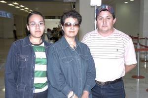 Ángela Montoya, Edy Rangel y Salomón Rangel.