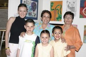 Judith, Andrés, Bernardo Rojas, Soledad Negrete, Arleth Maycotte y Susana  Valdez.