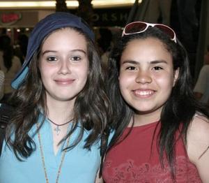 Perla Máynez y Carmen Izaguirre.
