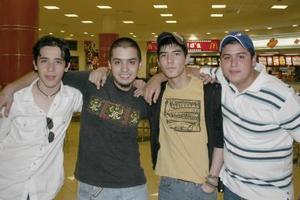 Marco Tulio, Francisco, Flavio y Aaníbal.