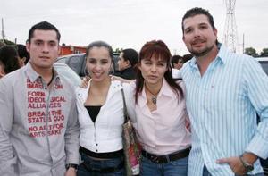 Mauricio Collier, Victoria Barbosa, Lucy de Gama y Edy Gama