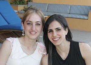 <b>17 de abril </b><p> Zaida Facuseh y Lizy Papadópulos