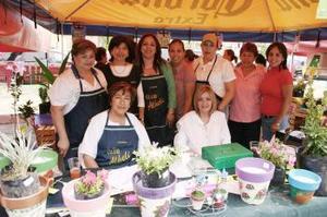 Lula de Álvarez, Chepis de Pérez, Susy Rodríguez, Carmelita Rodríguez, Carmen Rodríguez, Nina de Villanueva, Marisa de Marrero y Juanina de Gurrola.
